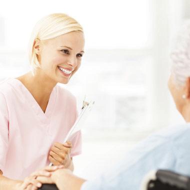 Home health nurse providing skilling nursing
